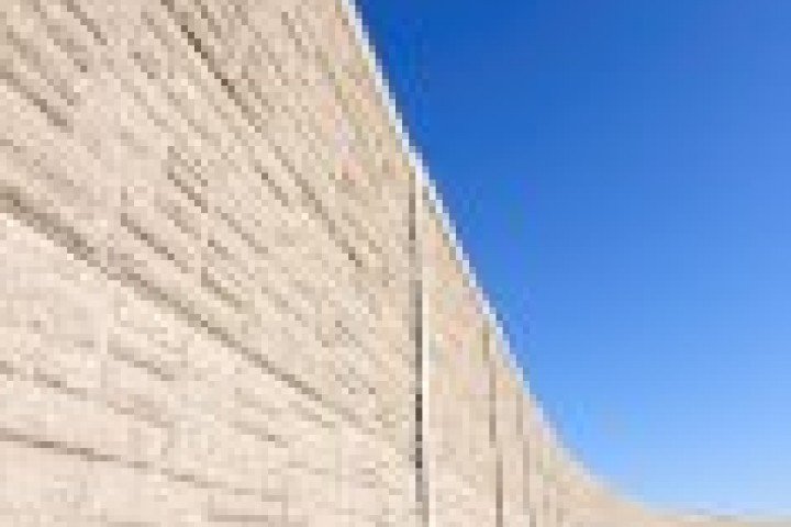 Temporary Fencing Suppliers Brick fencing 720 480